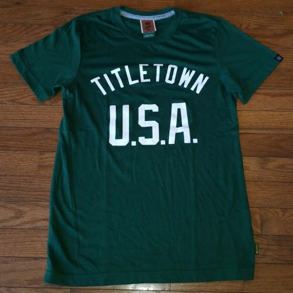 quality design 7e221 ed855 Green Bay Packers Nike NFL Titletown Shirt Small
